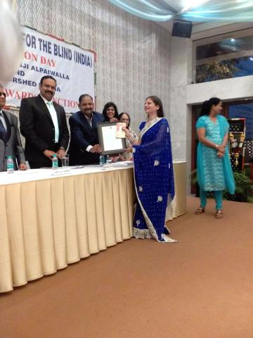 Neelum Kurshit Kanga Award to Ms. Minal Singhvi